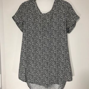 Express Tops - Express Patterned Scoop Neck Zipper Blouse